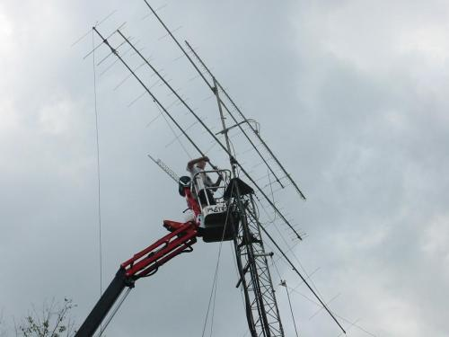 Unfortunately the 900 Mhz ATV antenna is coming down